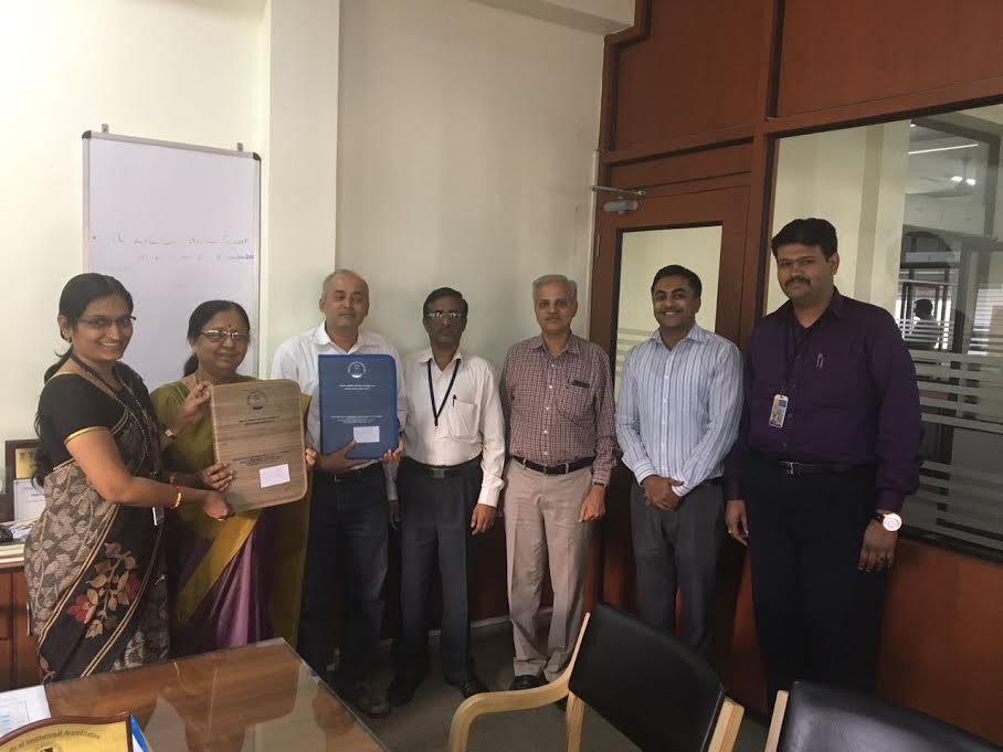 MOU between GSSSIETW and iQuest Technologies LLP Mysuru